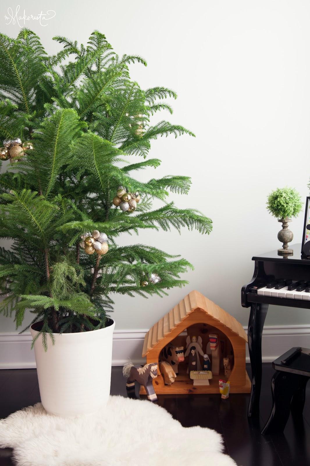 The Makerista Christmas Tree Ornament
