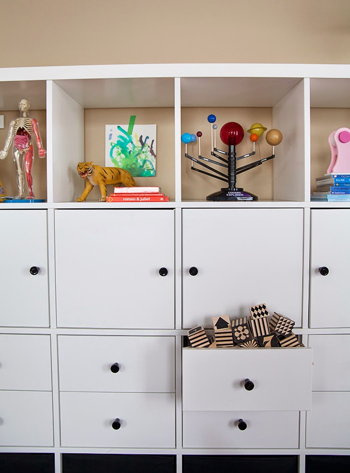 quick and convertible toy storage the makerista. Black Bedroom Furniture Sets. Home Design Ideas