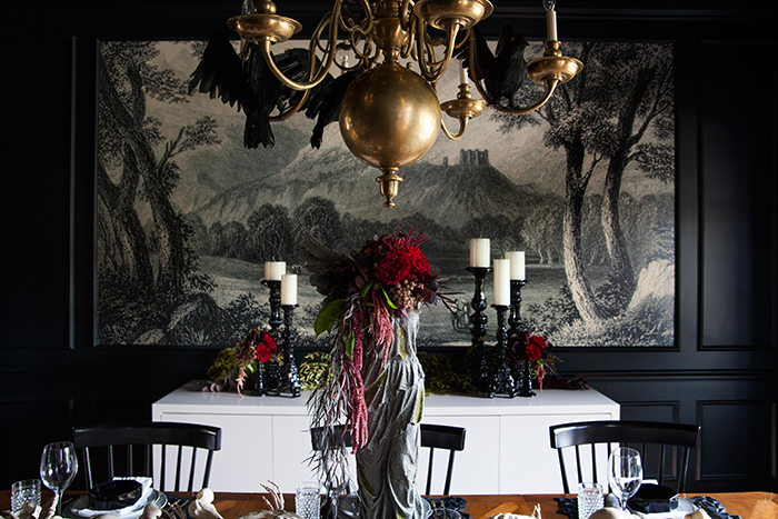 A spooky supper setting the makerista for Haunted dining room ideas