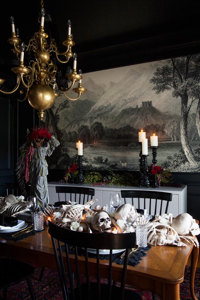 A spooky supper setting the makerista