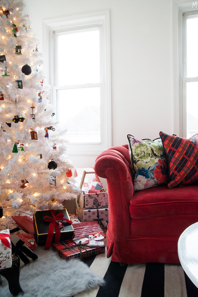 Modernizing The Nostalgia Of Christmas Decor