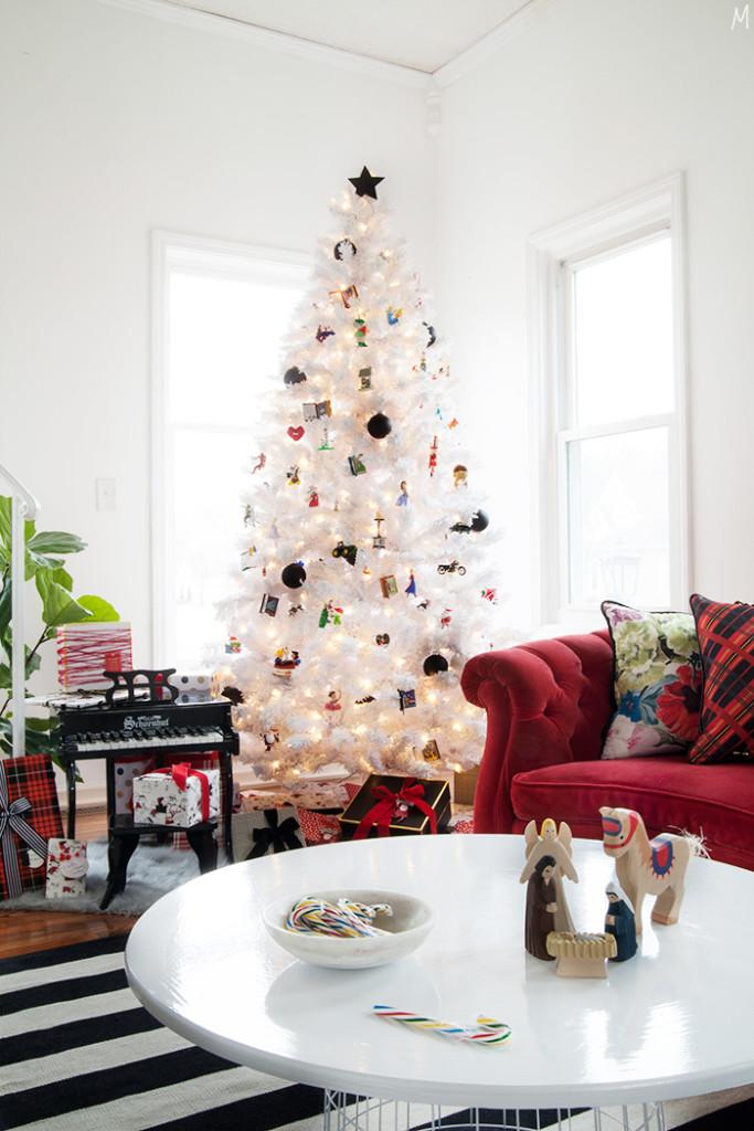 Modernizing the Nostalgia of Christmas Decor - The Makerista