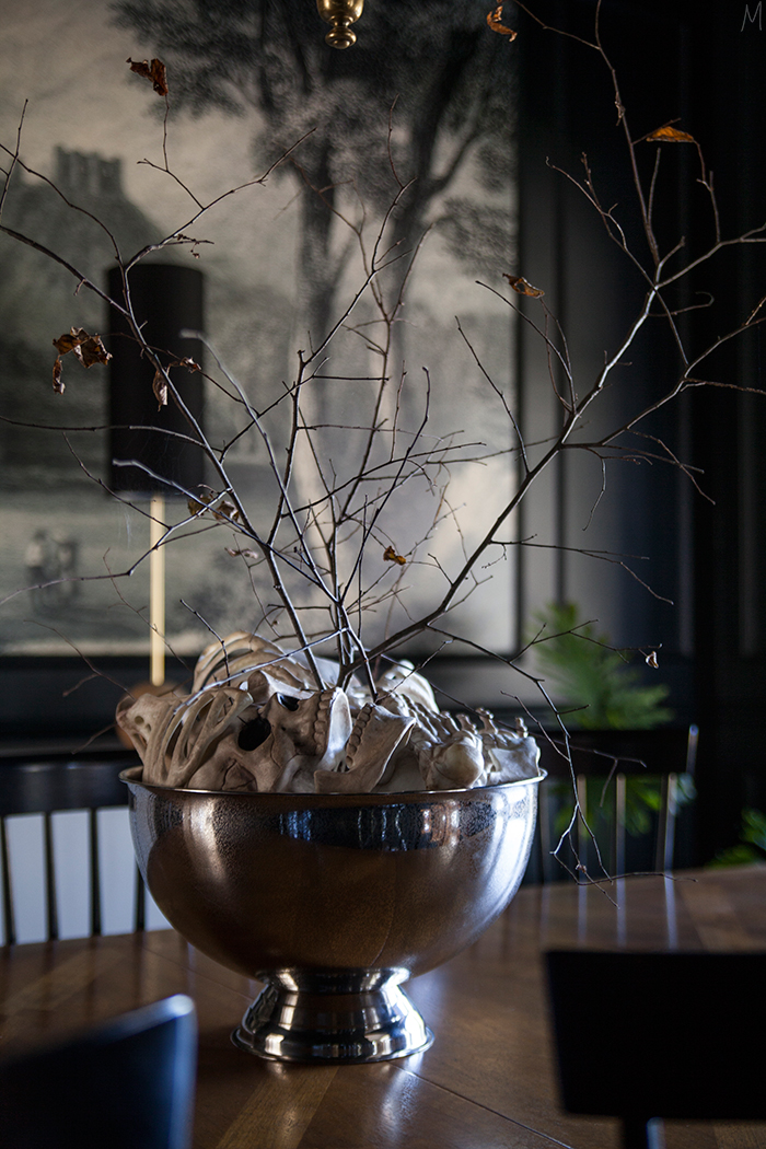 Simple Halloween Decor Part - 22: The-makerista-halloween-bones-branches-easy-decor-chic- ...