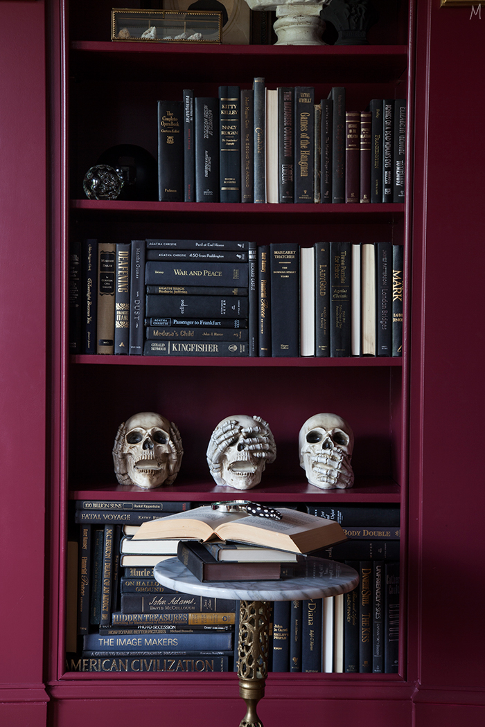 the-makerista-halloween-decor-curiosities-bookshelves-library-berry-color-black-and-white-spooky-img_6382