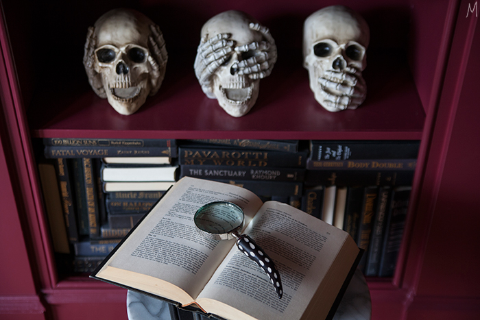 the-makerista-halloween-decor-curiosities-bookshelves-library-berry-color-black-and-white-spooky-img_6387