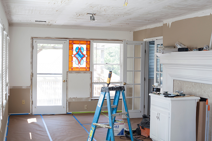 the-makerista-one-room-challenge-week-2-ceilings-scraped-stained-glass