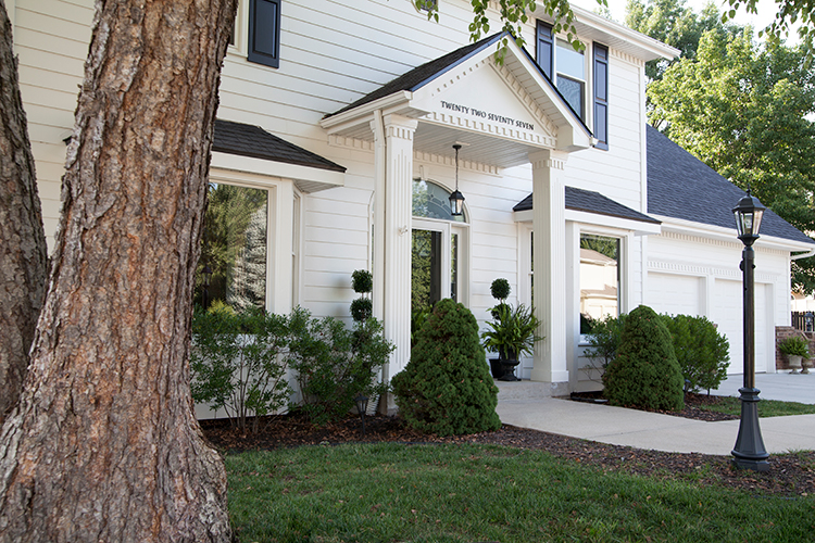Painting Vinyl Siding And The Best Exterior White Makerista