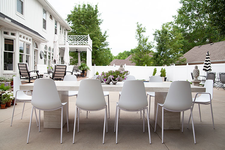 Brilliant Beautiful And Kid Friendly Outdoor Dining The Makerista Ibusinesslaw Wood Chair Design Ideas Ibusinesslaworg